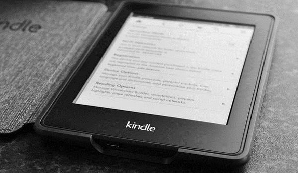 kindle paperwhite e-reader image